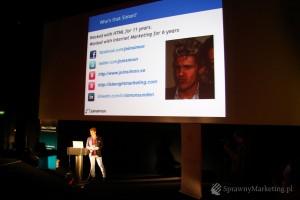 Simon Sunden prezentuje