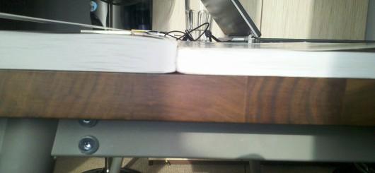 porównanie grubości: po lewej wydanie III, po prawej I